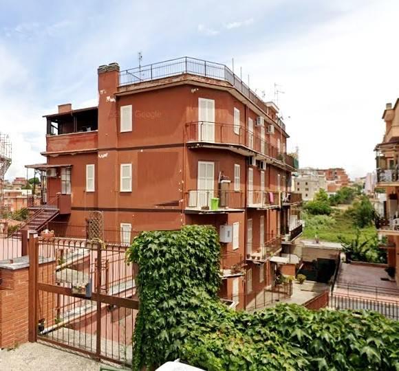 Appartamento in vendita a Roma, 3 locali, zona Zona: 28 . Torrevecchia - Pineta Sacchetti - Ottavia, prezzo € 165.000 | CambioCasa.it