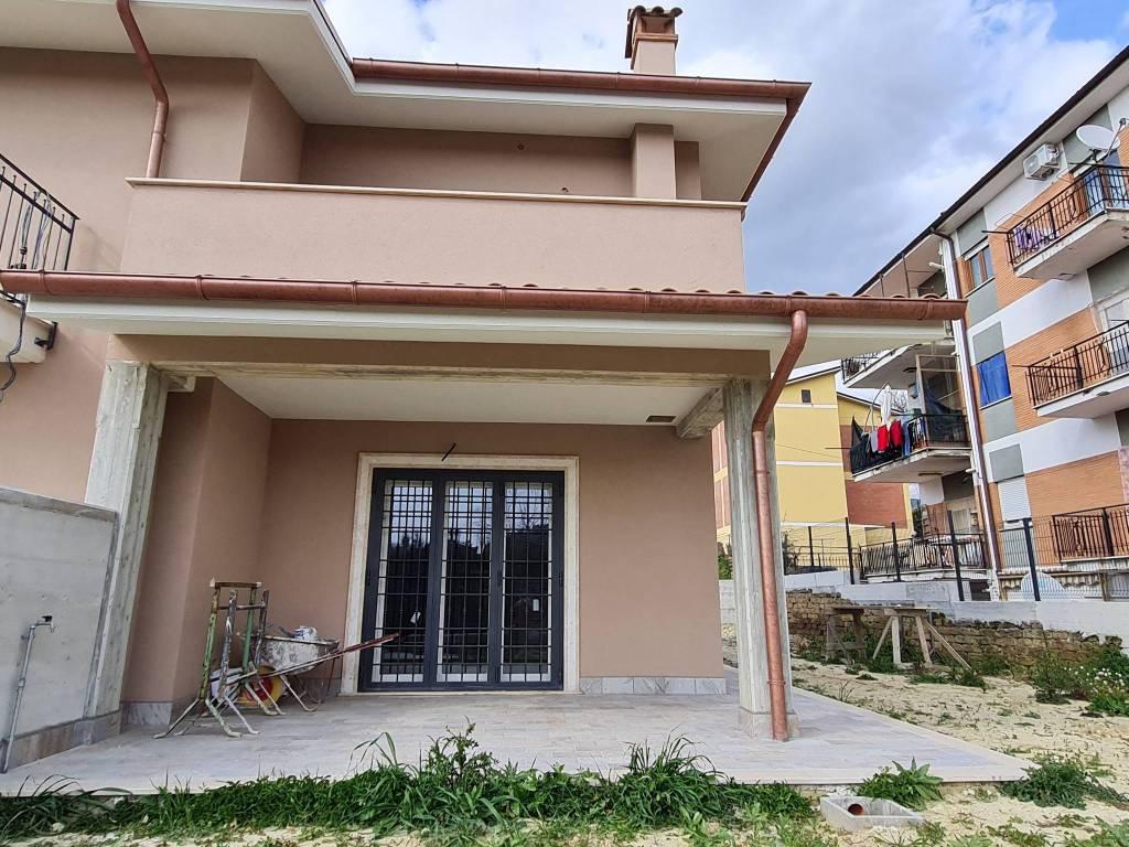 Villa a Schiera in vendita a Poggio Mirteto, 3 locali, prezzo € 189.000   CambioCasa.it