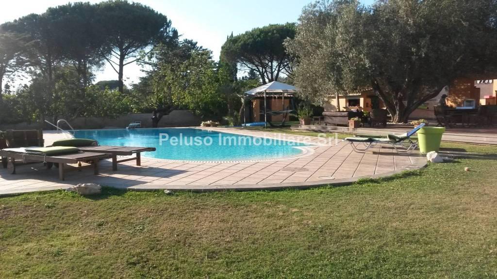 Villa in vendita a Roma, 7 locali, zona Zona: 37 . Morena - Ciampino - Trigoria - Falcognana, prezzo € 599.000 | CambioCasa.it