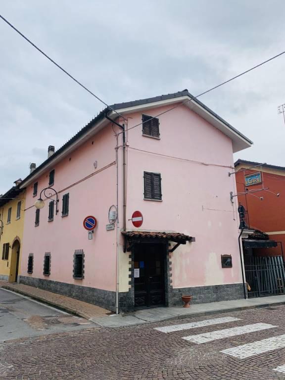 Pub / Discoteca / Locale in vendita a Narzole, 4 locali, Trattative riservate | CambioCasa.it