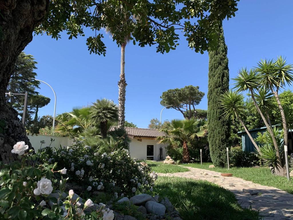 Villa in vendita a Roma, 6 locali, zona Zona: 38 . Acilia, Vitinia, Infernetto, Axa, Casal Palocco, Madonnetta, prezzo € 1.250.000 | CambioCasa.it