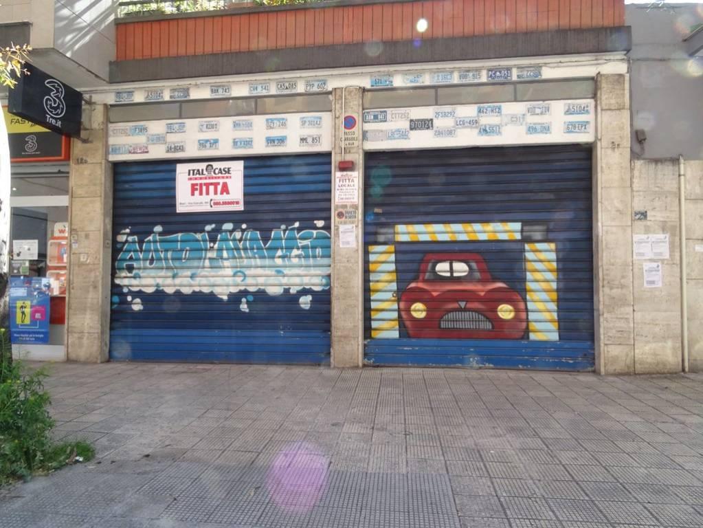 Negozio / Locale in affitto a Bari, 1 locali, prezzo € 1.600 | CambioCasa.it