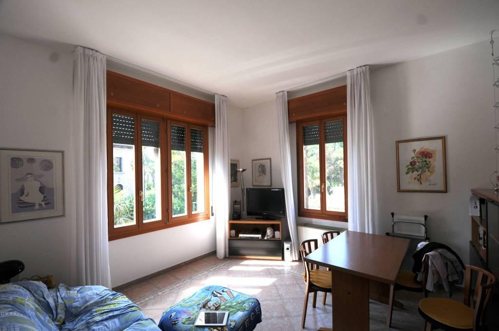 Villa in vendita a Venezia, 12 locali, zona Zona: 8 . Lido, prezzo € 1.100.000 | CambioCasa.it