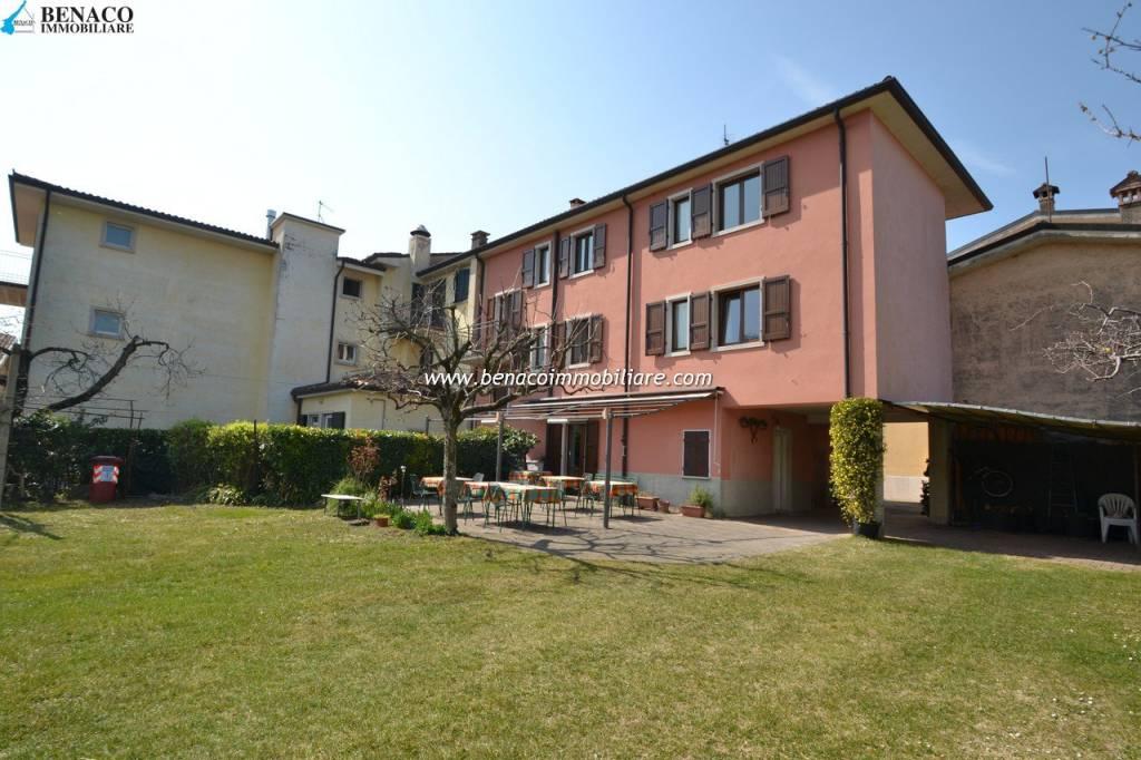 Rustico / Casale in vendita a Torri del Benaco, 11 locali, prezzo € 680.000 | CambioCasa.it