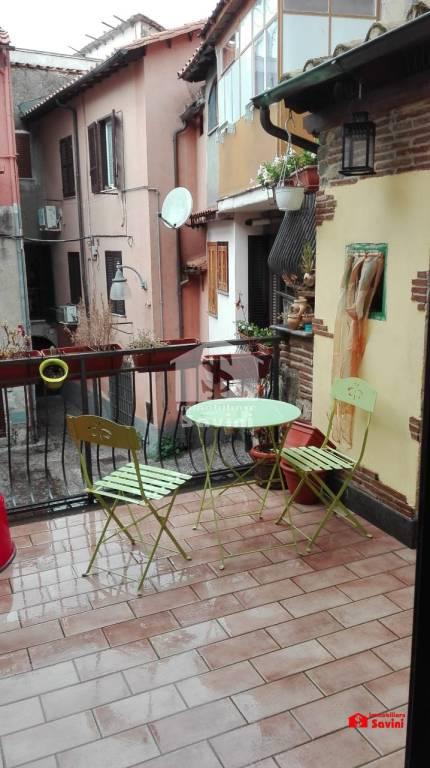 Appartamento in vendita a Lanuvio, 3 locali, prezzo € 108.000 | CambioCasa.it