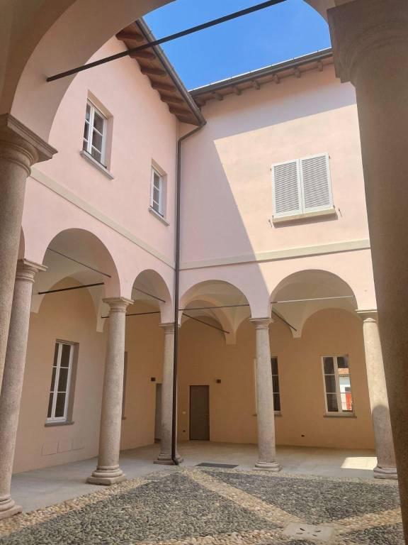 Negozio / Locale in affitto a Pavia, 3 locali, prezzo € 1.500 | PortaleAgenzieImmobiliari.it