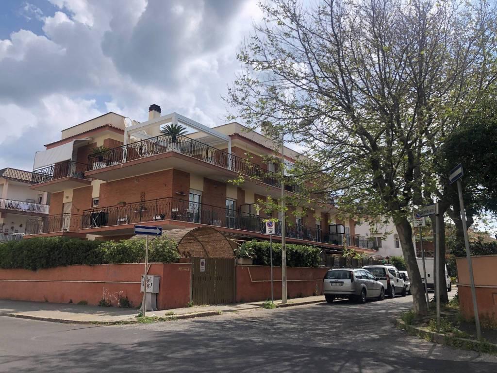 Appartamento in vendita a Ladispoli, 3 locali, prezzo € 218.000 | CambioCasa.it