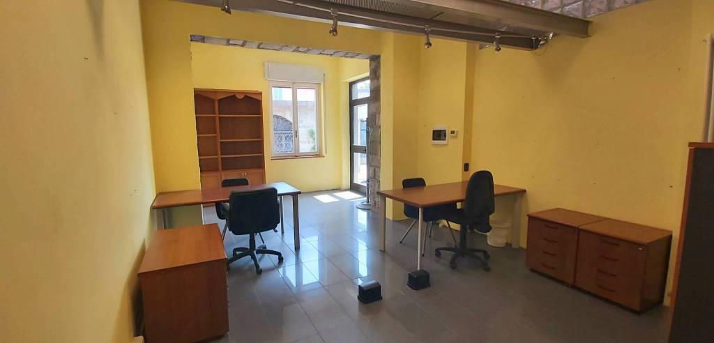 Ufficio / Studio in affitto a Como, 1 locali, zona Acquanera- Albate -Muggiò -, prezzo € 700 | PortaleAgenzieImmobiliari.it