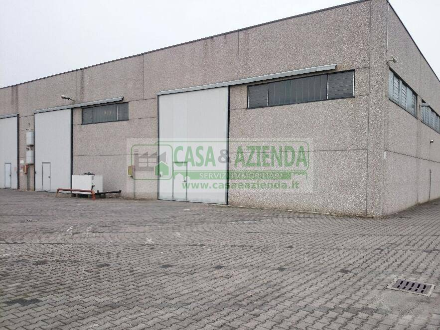 Capannone in affitto a Pozzuolo Martesana, 2 locali, Trattative riservate | CambioCasa.it