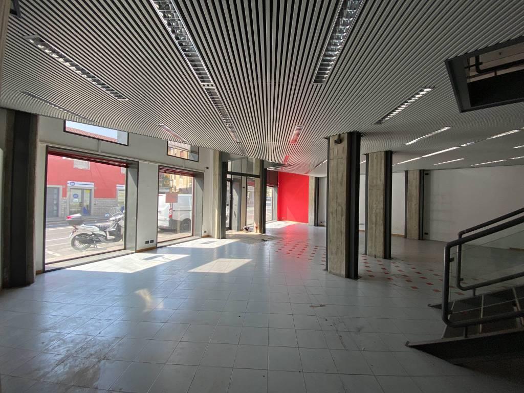 Negozio / Locale in affitto a Seriate, 9999 locali, prezzo € 2.600   PortaleAgenzieImmobiliari.it