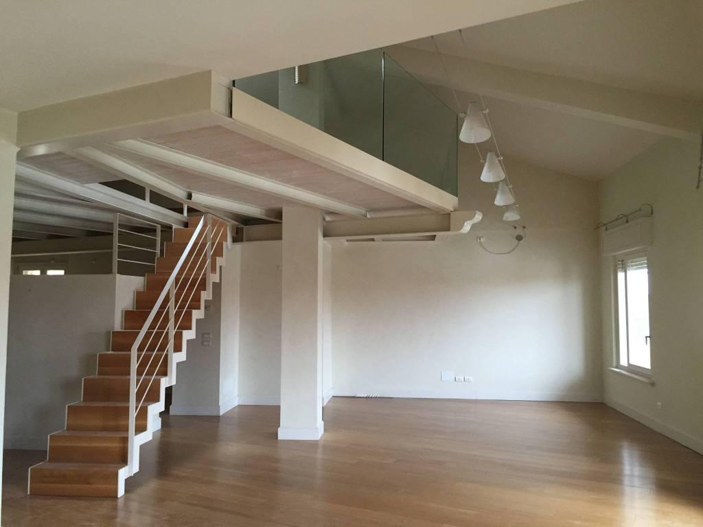 Appartamento in affitto a Verona, 5 locali, zona ZTL - Piazza Cittadella - San Zeno - Stadio, prezzo € 2.600   PortaleAgenzieImmobiliari.it