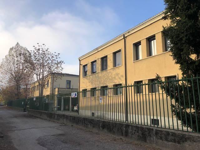 Palazzo / Stabile in vendita a Rho, 9999 locali, prezzo € 580.000 | PortaleAgenzieImmobiliari.it