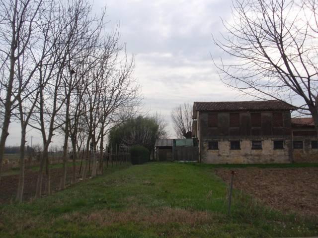 Rustico / Casale da ristrutturare in vendita Rif. 6976147