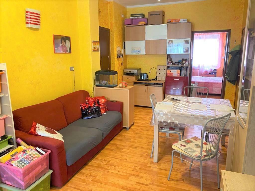 Appartamento in vendita a None, 2 locali, prezzo € 54.000 | CambioCasa.it
