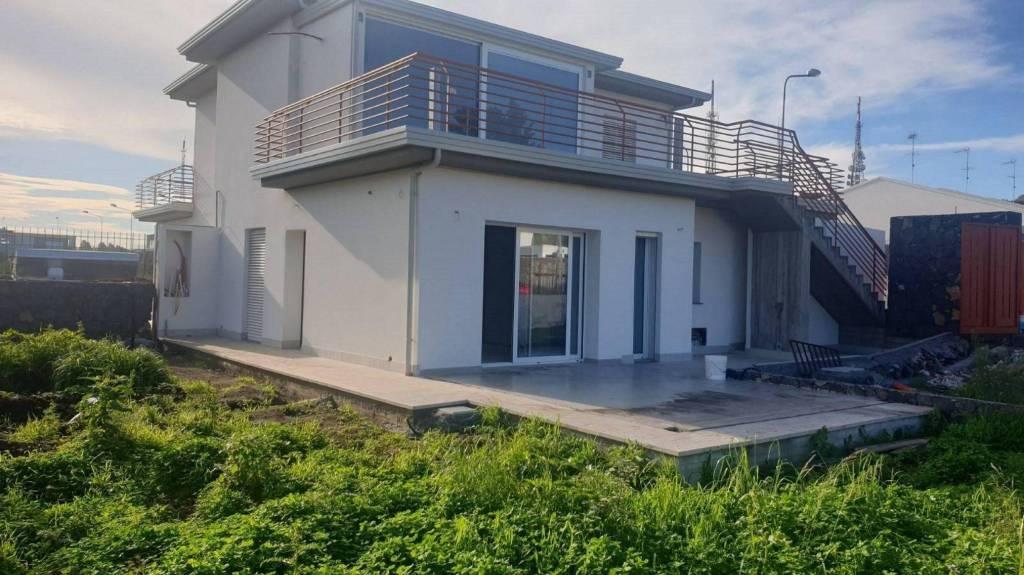 Appartamento in Vendita a Valverde Centro:  3 locali, 80 mq  - Foto 1