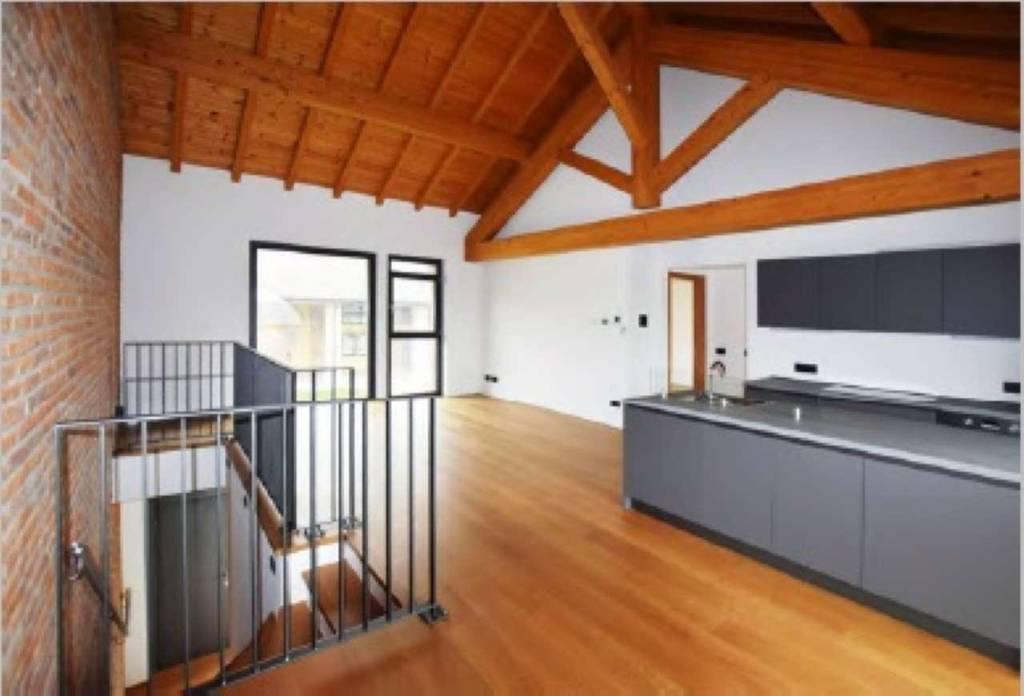Appartamento in affitto a Trivolzio, 3 locali, prezzo € 1.000 | CambioCasa.it