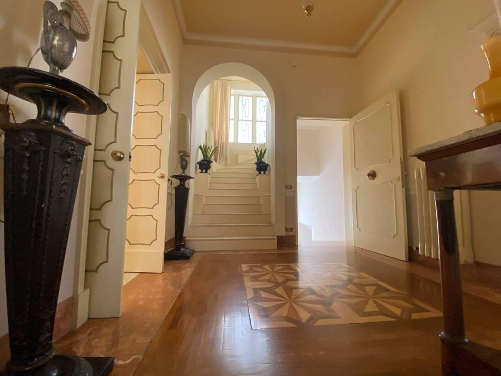 Appartamento in vendita a Lecce, 16 locali, prezzo € 1.200.000 | PortaleAgenzieImmobiliari.it