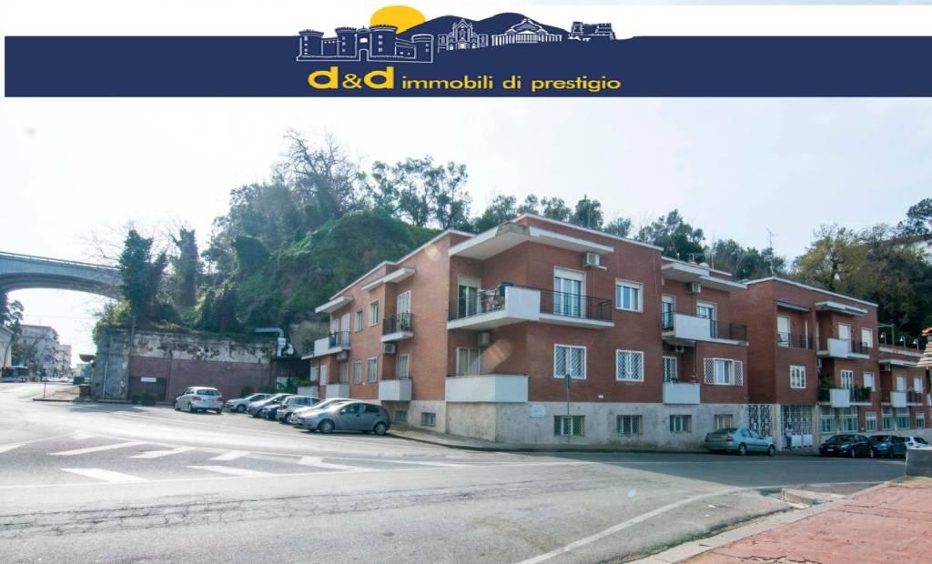 Ufficio / Studio in affitto a Napoli, 4 locali, prezzo € 1.600 | CambioCasa.it