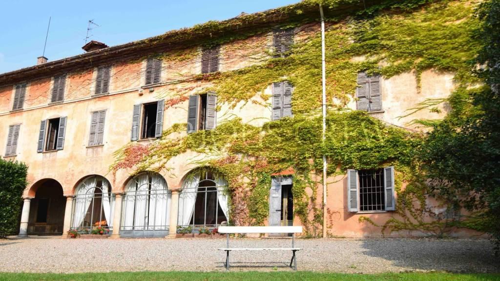 Villa in vendita a Tradate, 19 locali, prezzo € 1.650.000 | CambioCasa.it
