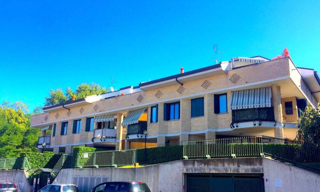 Attico / Mansarda in vendita a Cardano al Campo, 2 locali, prezzo € 105.000 | PortaleAgenzieImmobiliari.it
