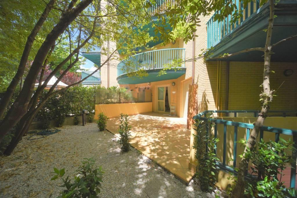 Appartamento in Vendita a Riccione Centro: 2 locali, 80 mq