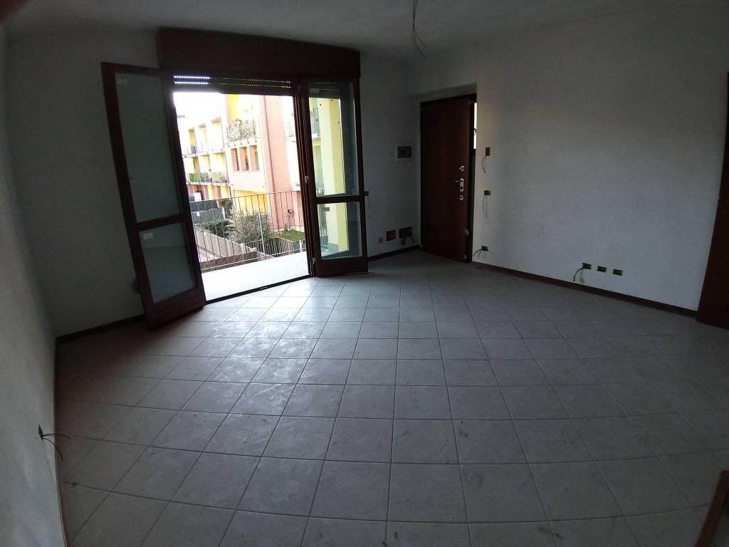 Appartamento in vendita a Solbiate Olona, 2 locali, prezzo € 89.000 | CambioCasa.it
