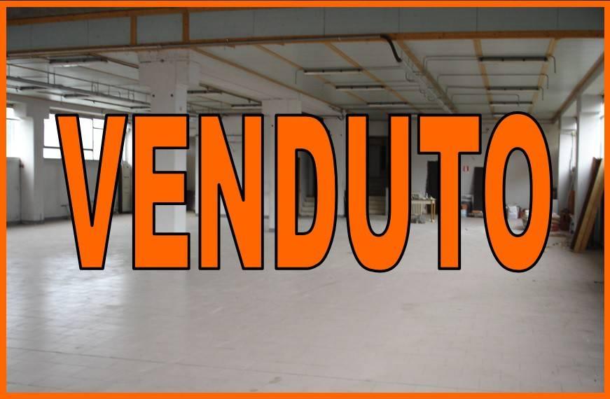 Capannone in vendita a Somma Lombardo, 9999 locali, prezzo € 240.000 | PortaleAgenzieImmobiliari.it