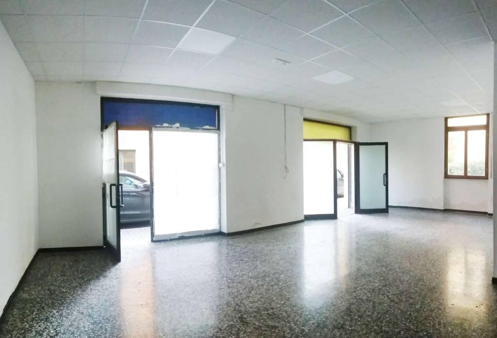 Negozio / Locale in affitto a Ovada, 3 locali, prezzo € 800 | CambioCasa.it