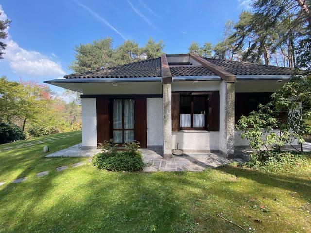 Villa in vendita a Appiano Gentile, 8 locali, prezzo € 650.000 | PortaleAgenzieImmobiliari.it