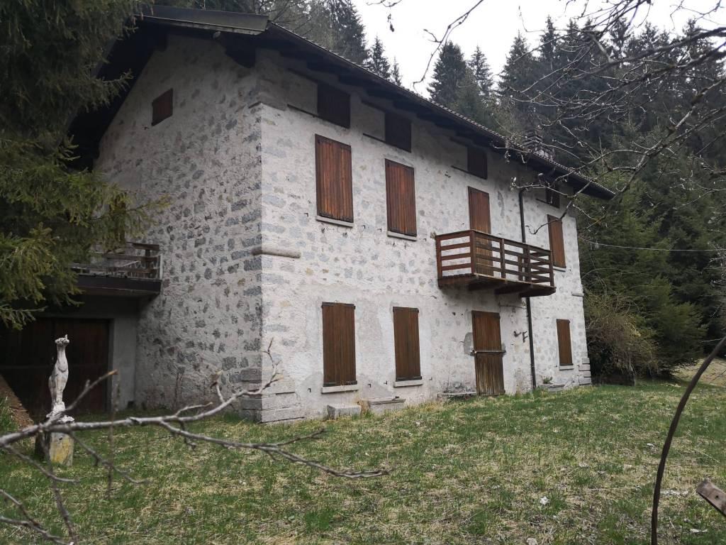 Villa in vendita a Temù, 11 locali, prezzo € 450.000 | PortaleAgenzieImmobiliari.it
