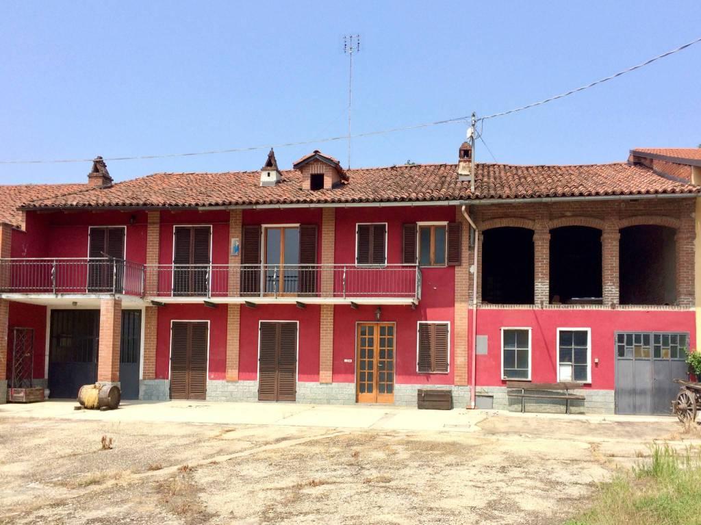 Rustico / Casale in vendita a Santo Stefano Roero, 7 locali, prezzo € 118.000 | PortaleAgenzieImmobiliari.it