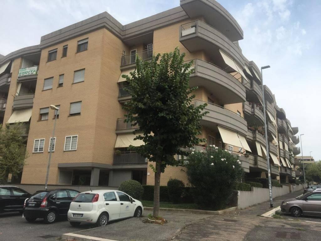 Appartamento in vendita a Roma, 3 locali, zona Zona: 35 . Setteville - Casalone - Acqua Vergine, prezzo € 179.000   CambioCasa.it