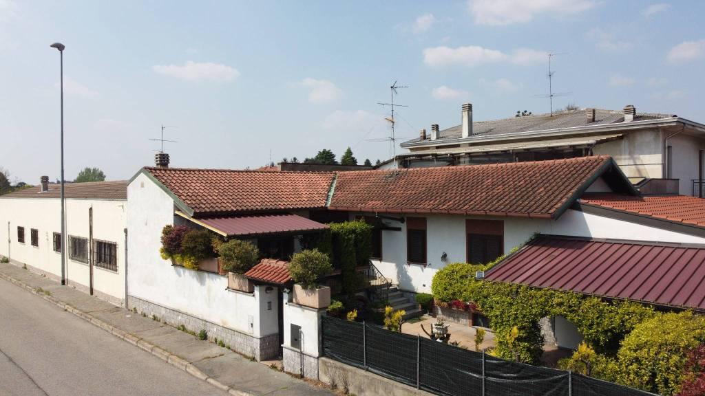 Appartamento in vendita a Buscate, 4 locali, prezzo € 200.000   PortaleAgenzieImmobiliari.it