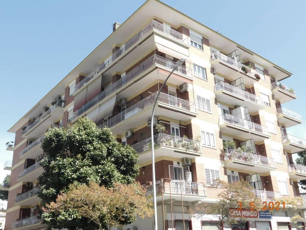 Appartamento in vendita a Roma, 5 locali, zona Zona: 10 . Pigneto, Largo Preneste, prezzo € 680.000   CambioCasa.it