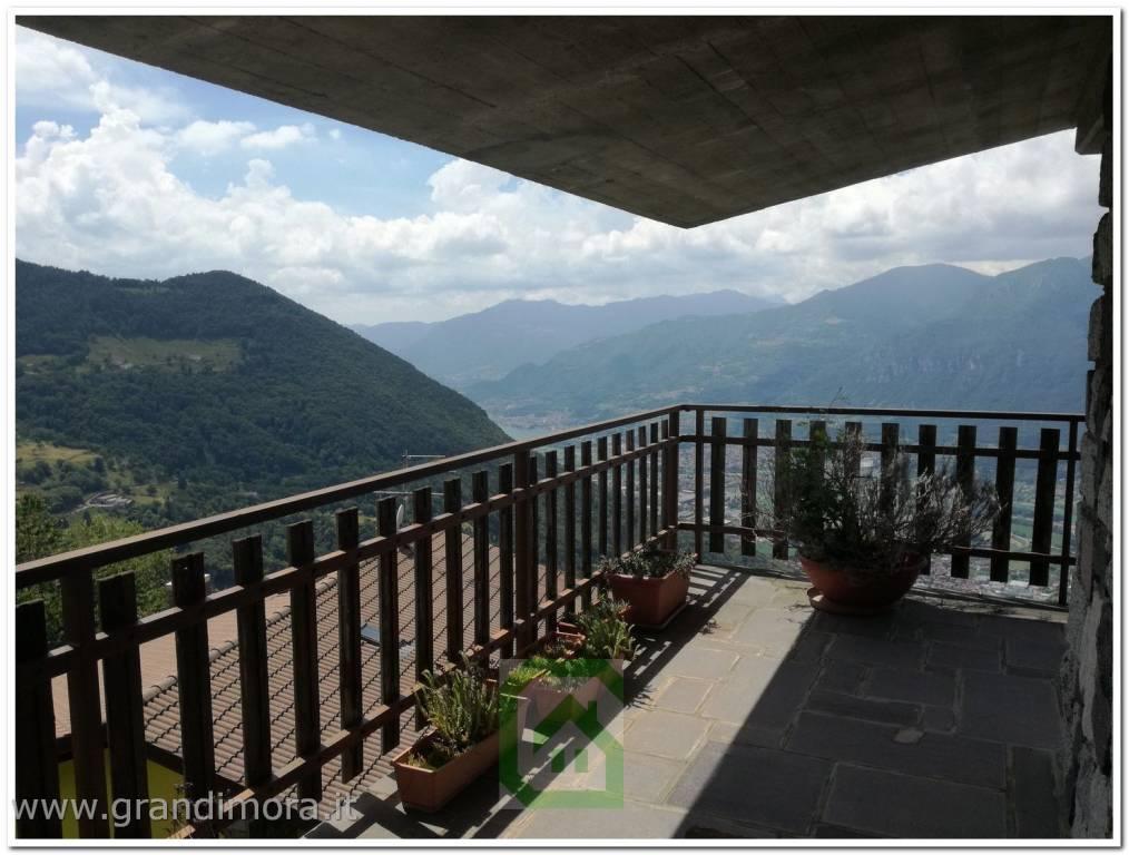 Attico / Mansarda in vendita a Pian Camuno, 3 locali, Trattative riservate | PortaleAgenzieImmobiliari.it