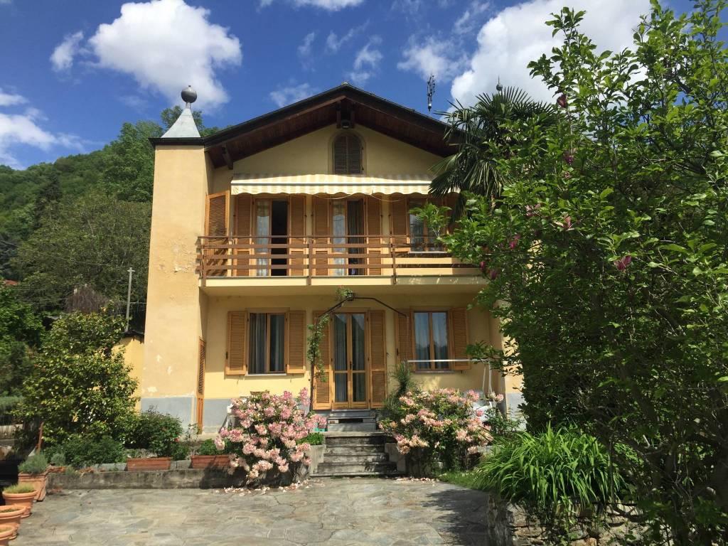 Appartamento in buone condizioni arredato in affitto Rif. 5545811