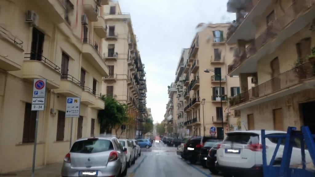Appartamento in Affitto a Palermo Centro: 5 locali, 230 mq