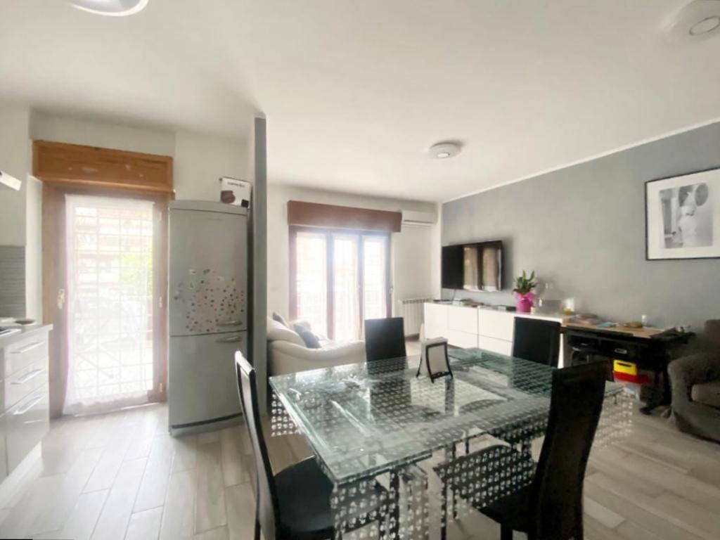 Appartamento in vendita a Roma, 3 locali, zona Zona: 36 . Finocchio, Torre Gaia, Tor Vergata, Borghesiana, prezzo € 245.000 | CambioCasa.it
