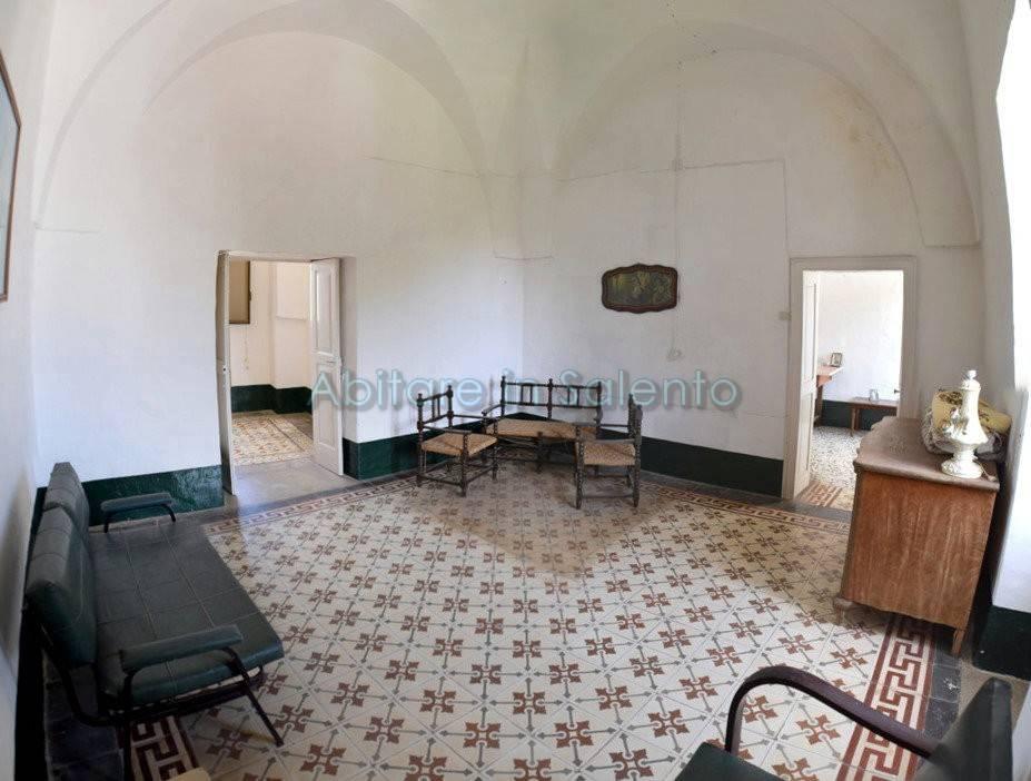 Appartamento in vendita a Castrignano del Capo, 9 locali, prezzo € 165.000 | PortaleAgenzieImmobiliari.it