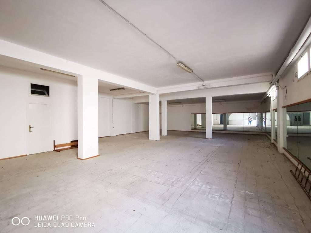 Magazzino in affitto a Terrasini, 9999 locali, prezzo € 800   CambioCasa.it