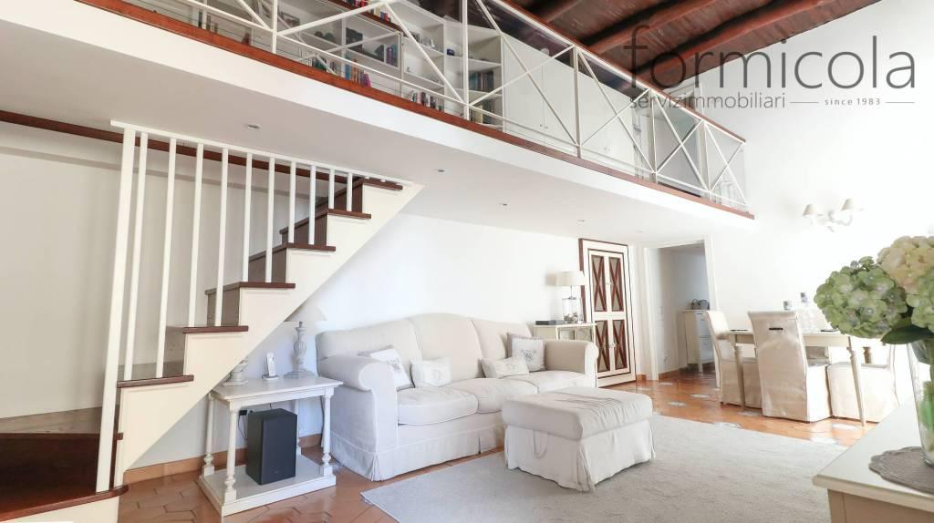 Appartamento in vendita a Portici, 4 locali, prezzo € 450.000 | PortaleAgenzieImmobiliari.it