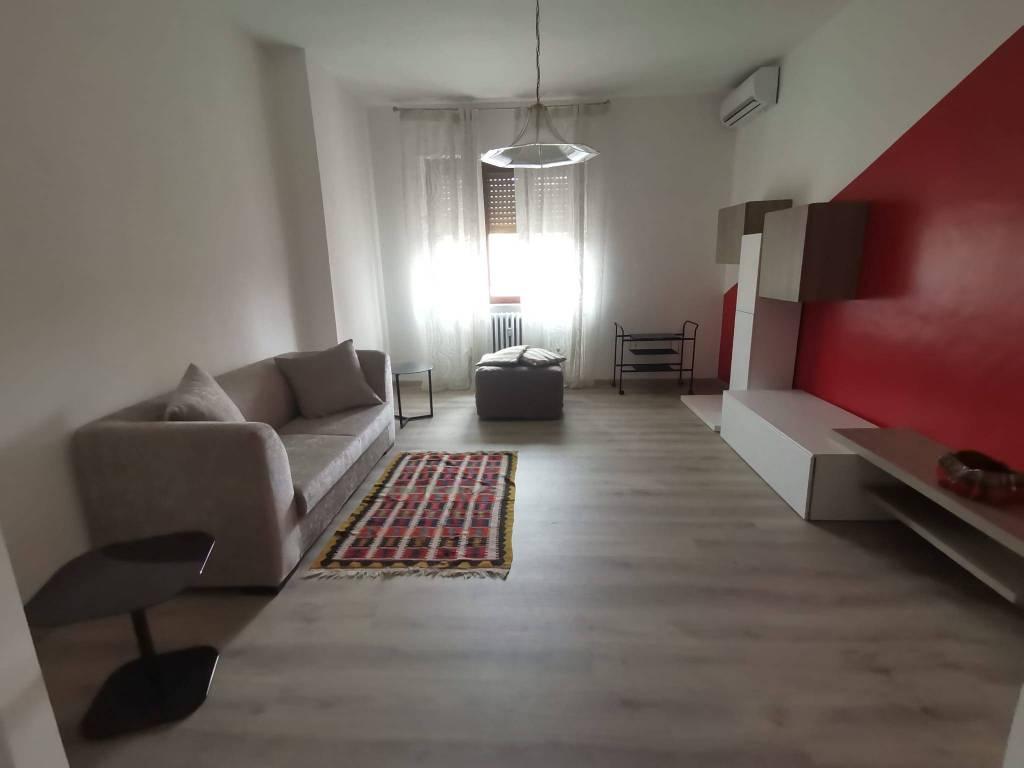Appartamento in affitto a Alba, 4 locali, prezzo € 600 | PortaleAgenzieImmobiliari.it