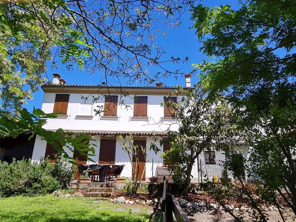 Rustico / Casale in vendita a Montecalvo Versiggia, 5 locali, prezzo € 230.000 | PortaleAgenzieImmobiliari.it