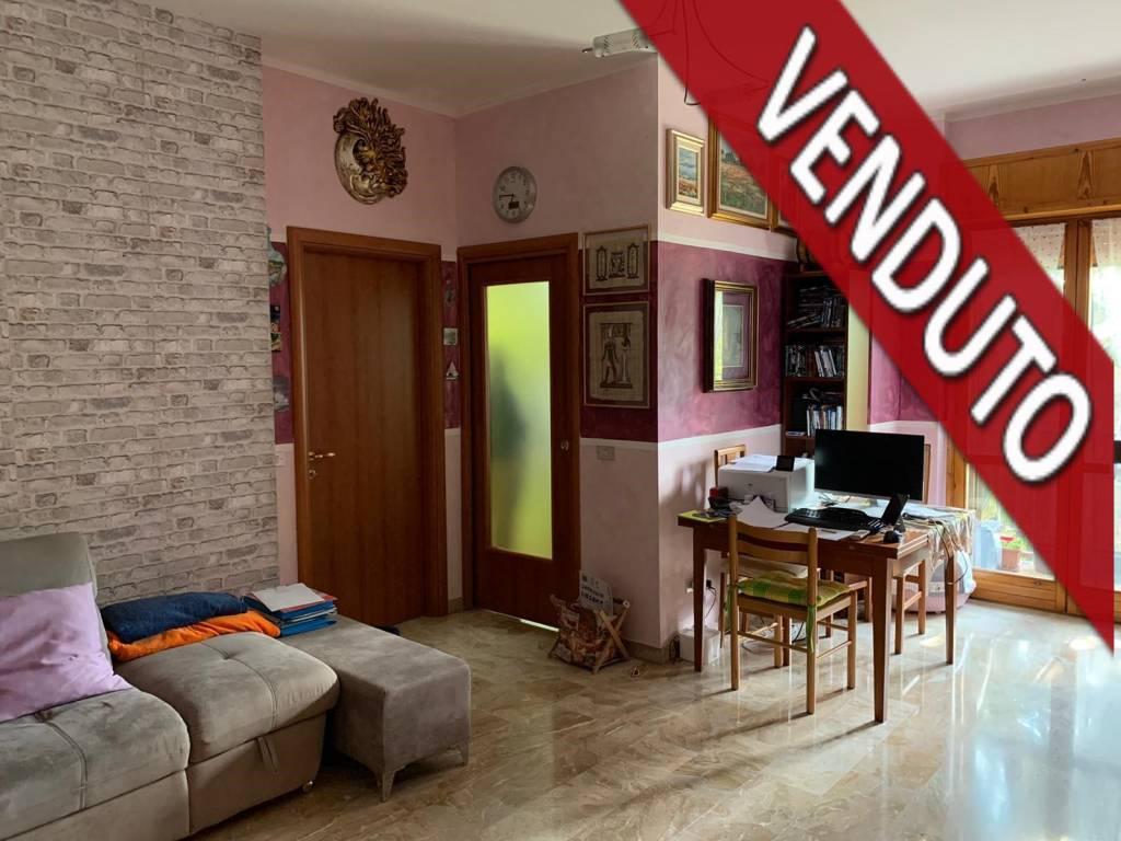 Appartamento in vendita a Bareggio, 3 locali, prezzo € 129.000   CambioCasa.it