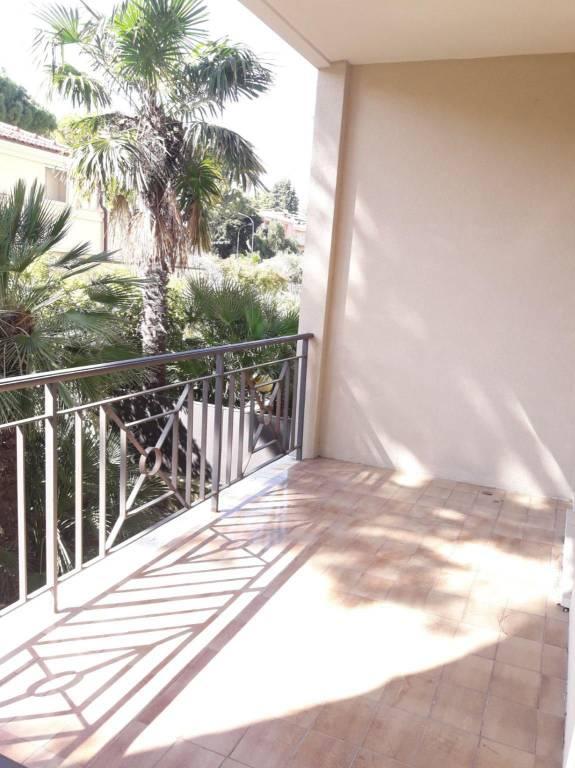 Appartamento in affitto a Bordighera, 3 locali, prezzo € 1.300 | PortaleAgenzieImmobiliari.it