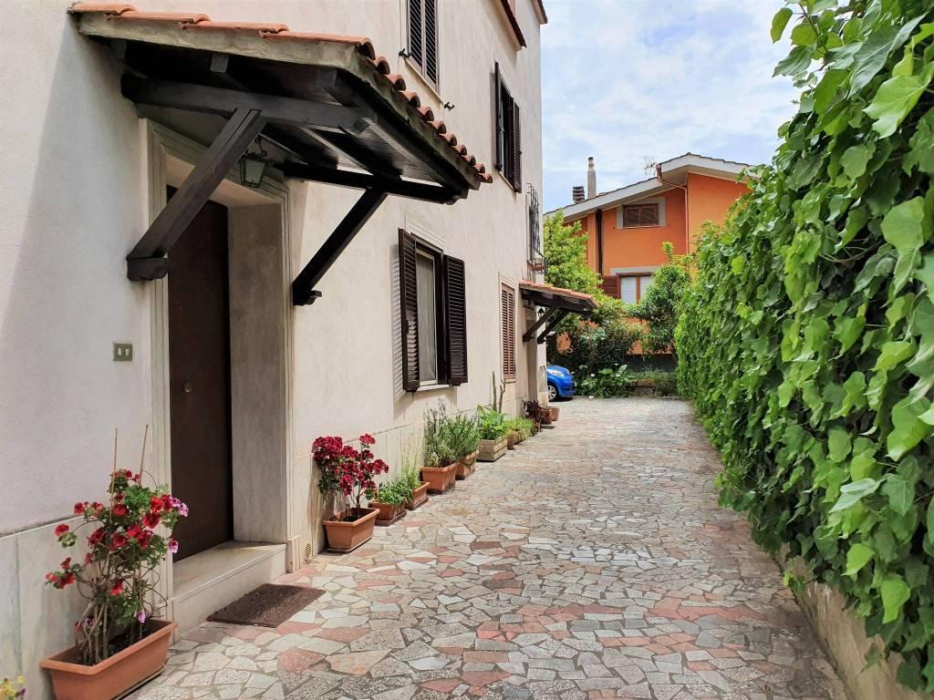 Appartamento in vendita a Ciampino, 3 locali, prezzo € 169.000 | CambioCasa.it
