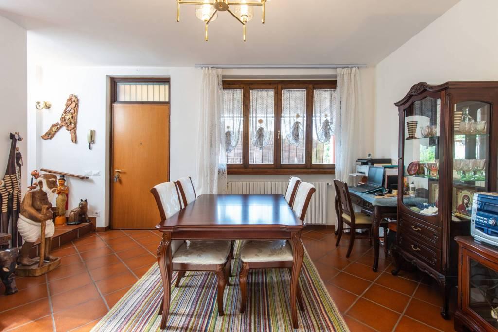 Villa a Schiera in vendita a Miradolo Terme, 5 locali, prezzo € 199.000   CambioCasa.it