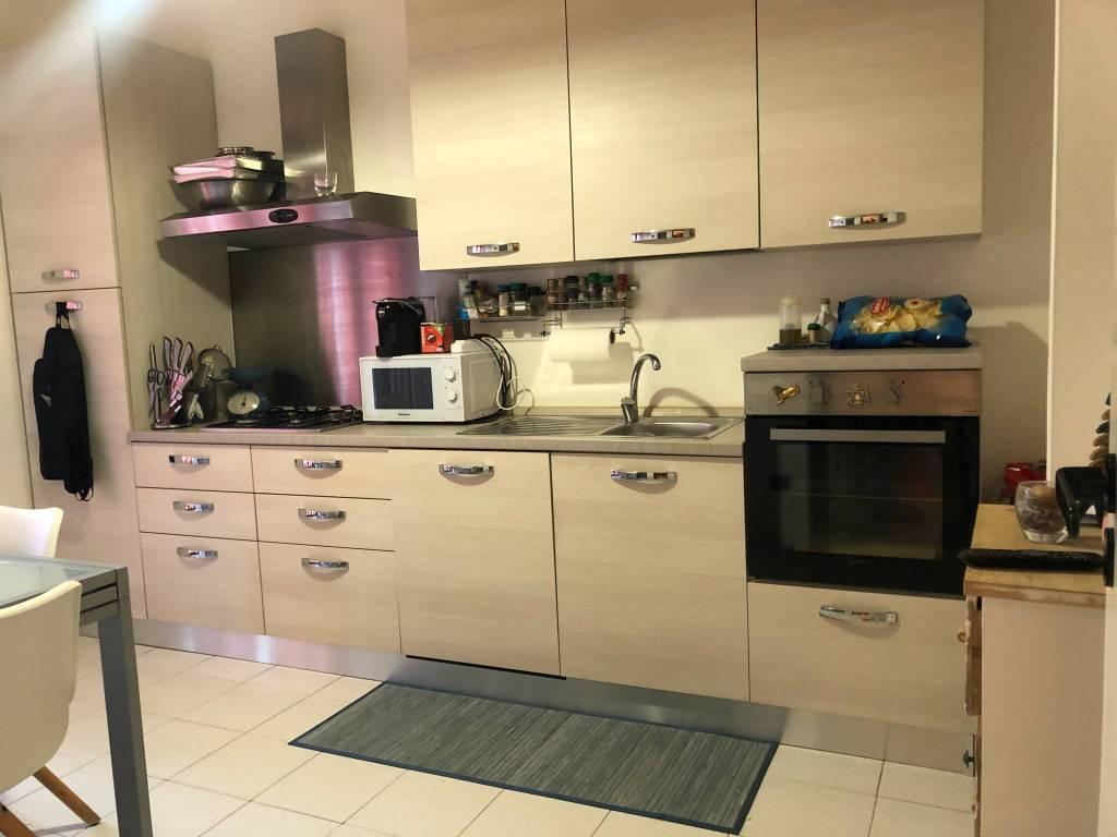 Appartamento in ottime condizioni in affitto Rif. 8021891