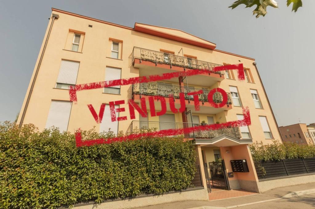 Appartamento in vendita a Garbagnate Milanese, 3 locali, prezzo € 240.000 | CambioCasa.it
