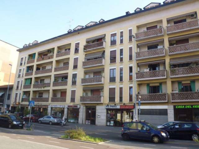 Appartamento in vendita a Pero, 2 locali, prezzo € 128.000   Cambio Casa.it